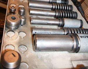 Stans / Molds equipment